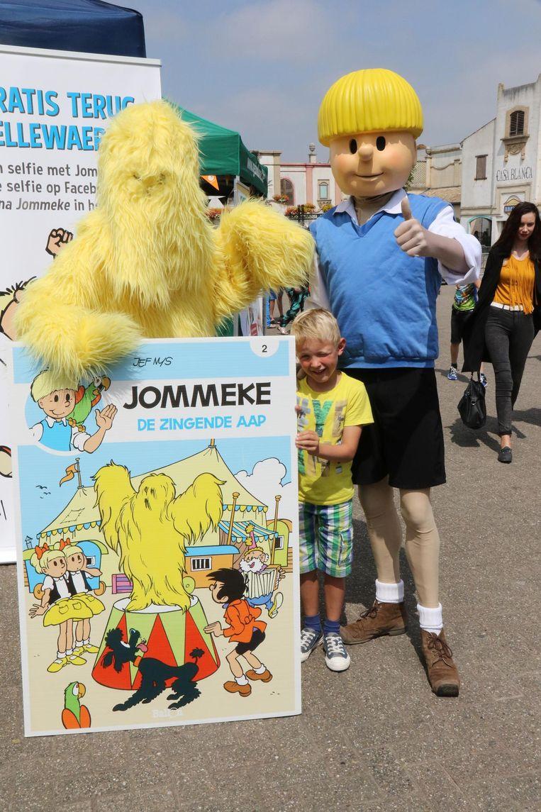 Kinderen gingen graag op de foto met Jommeke en de Zingende Aap.