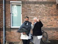 Verloren kledingstukken weer terug naar vrijwilligster