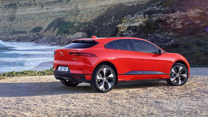 De Jaguar i-Pace is een van de weinige nieuwe elektrische auto's die dit jaar op de markt verschijnen