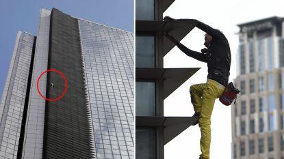VIDEO. Franse 'Spider-Man' beklimt zonder zekering toren van 47 verdiepingen in Manilla