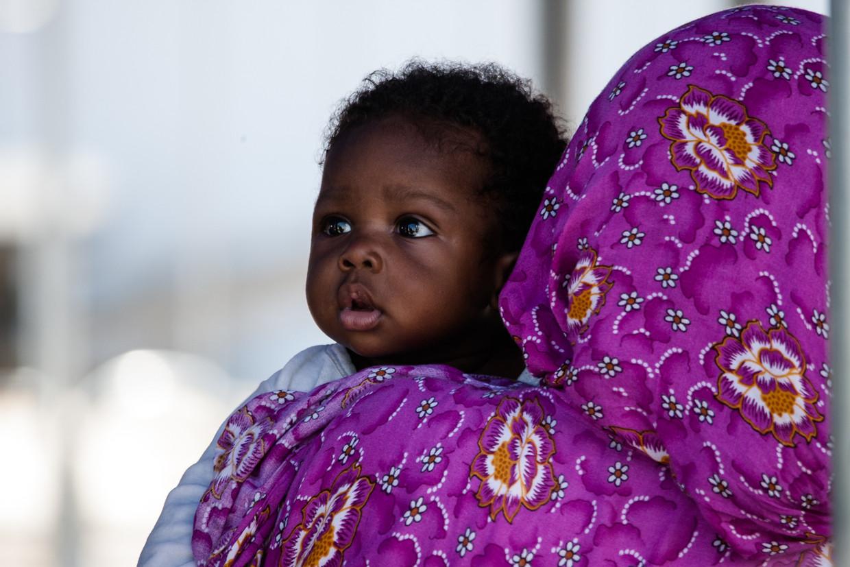 Migranten uit Subsaharaans-Afrika, Libië, Mali, Pakistan, Nigeria en Marokko komen aan in Salerno (2018).