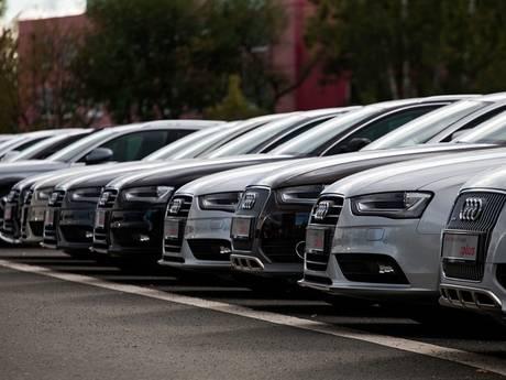 Serie auto-inbraken in Harderwijk levert politie hoofdbrekens op