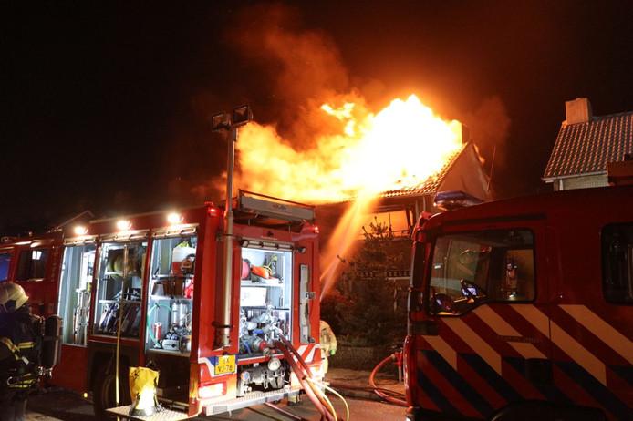 Uitslaande woningbrand in Haaksbergen.