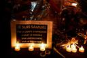Herdenkingsplek voor docent Samuel Paty in Parijs.