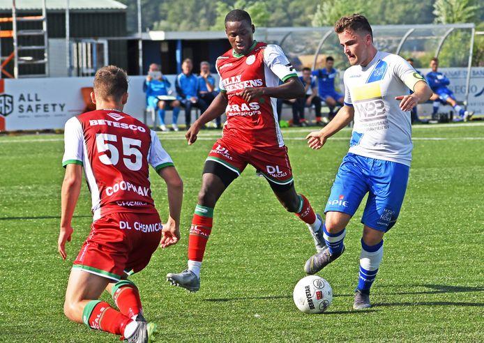 Rik Impens (rechts) en Hoek wonnen zaterdag op bezoek bij SV TOP.