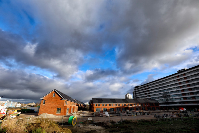 De wijk Nieuw Sluis in Vlaardingen, nabij station Centrum, nadert zijn afronding.