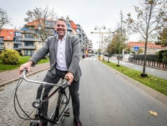 """Burgemeester hekelt 'processie van Echternach' voor fietsknelpunten: """"Na 20 jaar eindelijk hoop voor fietspad tussen Veurne en De Panne"""""""