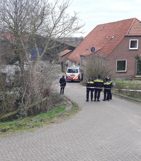 Politie valt illegale hondenfokkerij binnen in Heteren