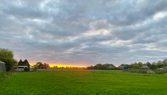 Oktober zonsondergang aan het Huissen Hoevesepad