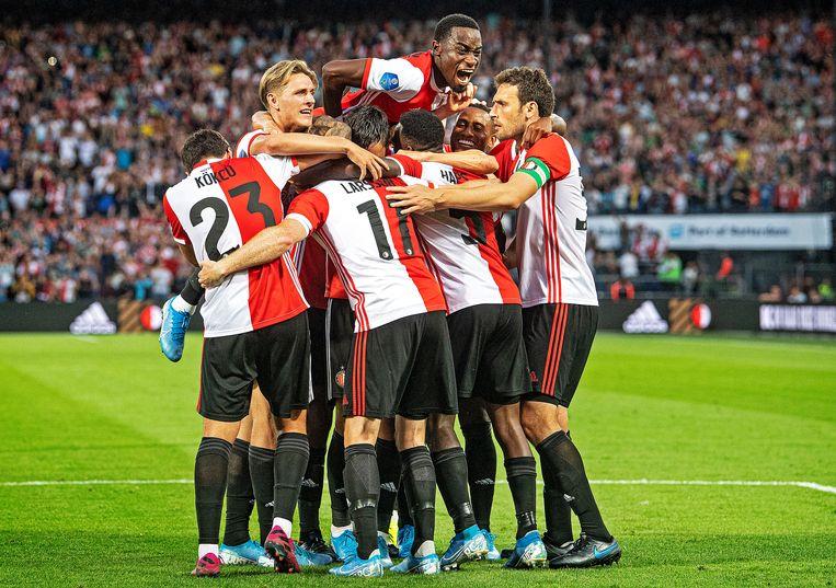 Een euforisch Feyenoord.  Beeld Guus Dubbelman / de Volkskrant