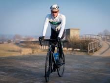 Wielrenner Luuc Bugter juicht nu voor ploeggenoot