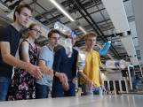 Twentse studenten ontrafelen geheim achter 'bottle flip'