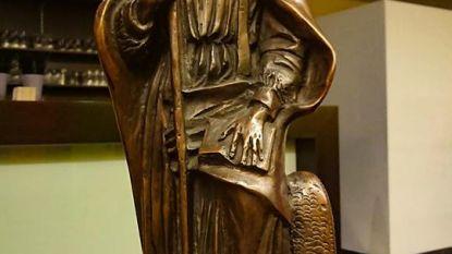 Bronzen beeld van heilige Arnoldus pronkt in RAM