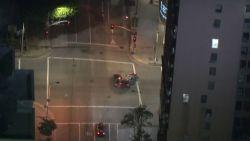 Politieachtervolging eindigt met spectaculaire crash in L.A