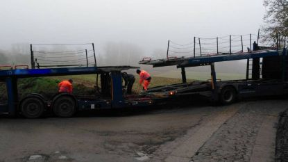 Gemeentepersoneel moet vrachtwagen helpen uitgraven na foutje GPS