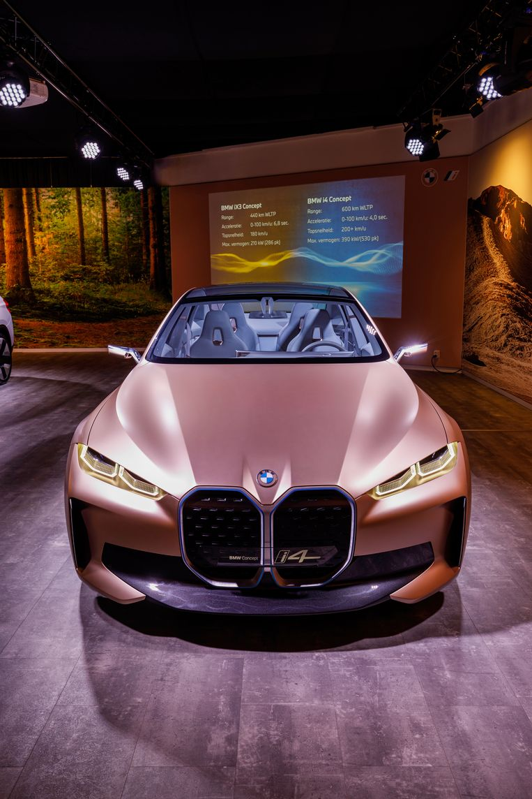 BMW i4 Beeld BMW