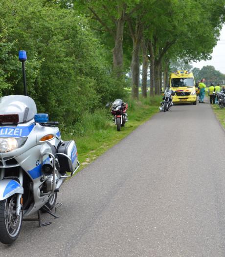 Duitse motorrijder gewond na valpartij tijdens toertocht