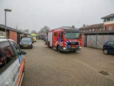 Spuitbus ontploft in de keuken: brand in woning, bewoner gewond naar ziekenhuis