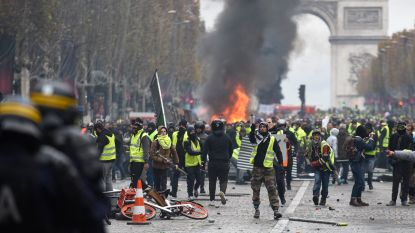 Angst voor zware rellen: Buitenlandse Zaken raadt trip naar Parijs af