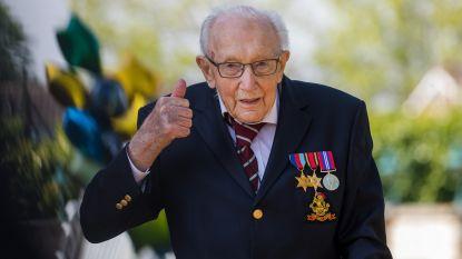 """""""Captain Tom"""" wordt Lord Tom: Britse koningin verheft honderdjarige veteraan in adelstand"""