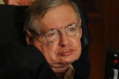 """Stephen Hawking waarschuwt: """"Aliens kunnen onze planeet plunderen"""""""