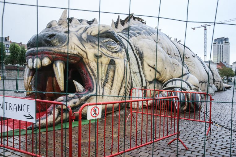 The beast op Sint-Pietersplein in Gent.