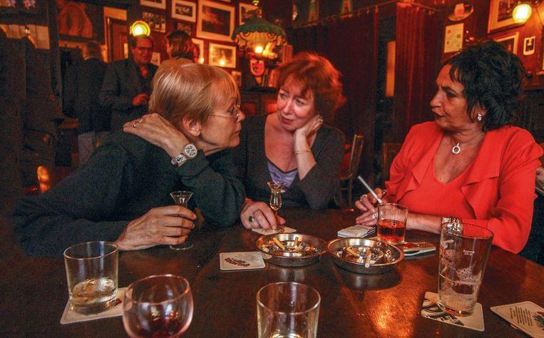 Ike Cialona, Iris Tulp, Esther Gosschalk (vlnr), rond 2005 Beeld Annelies Rigter