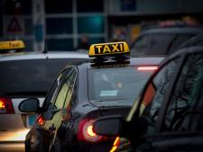 Taxichauffeurs bereiken cao-akkoord: loonsverhoging en betere pauzeregeling