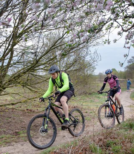 Politie onderzoekt gevaarlijke blokkades op mountainbikeroute bij Rhenen