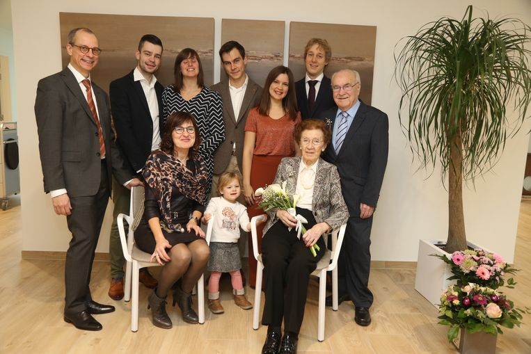 Edgard en Maria met de kinderen en kleinkinderen