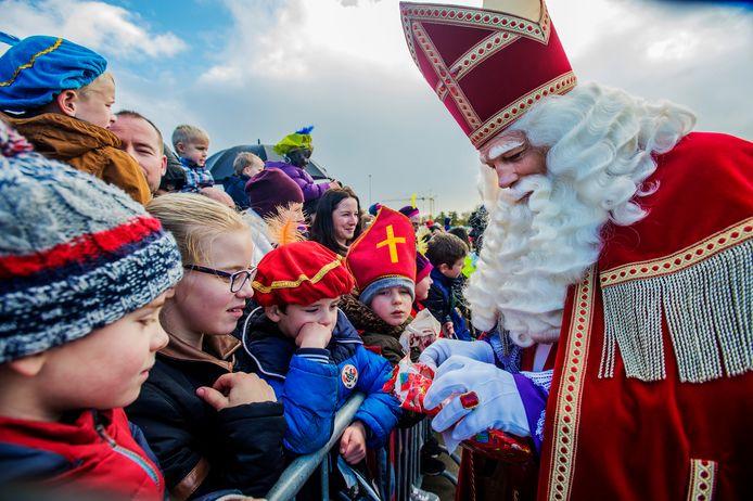 De intocht van Sinterklaas brengt in Waalwijk altijd veel volk op de been. Door de coronacrisis zal het dit jaar anders moeten.