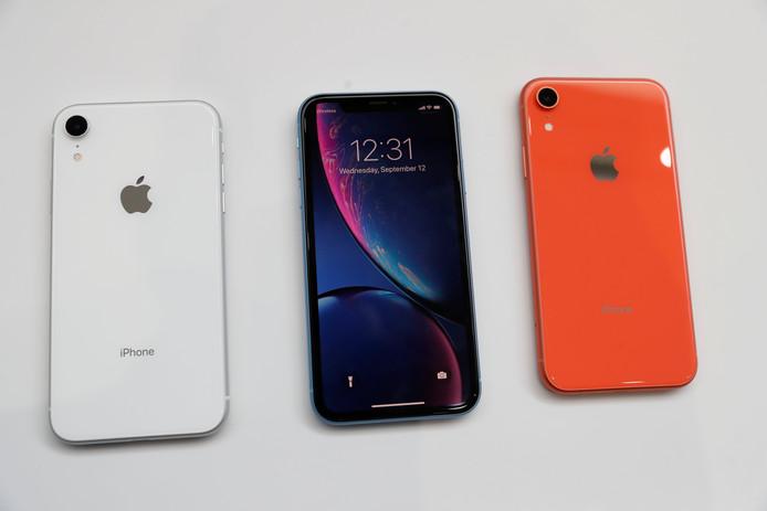 Drie exemplaren van Apple's nieuwe iPhone XR