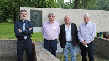 Monument Arthur Verhoeven in ere hersteld