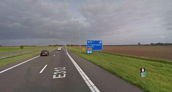 Het gebied ten zuiden van de A58 tussen Goes en Kapelle is in beeld voor de aanleg van een zonnepark van 35 hectare.