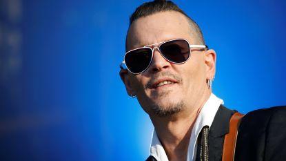 Zoon Johnny Depp ernstig ziek