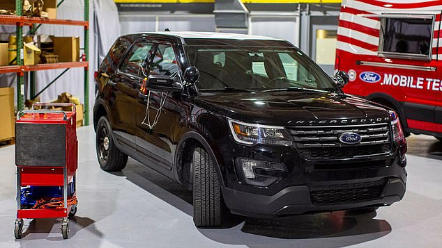 Een aangepast politie-voertuig van Ford.