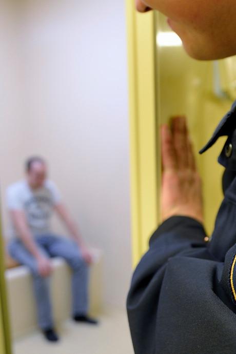 Sluiting politiecellen in Ede, Doetinchem, Tiel en Deventer  half jaar uitgesteld