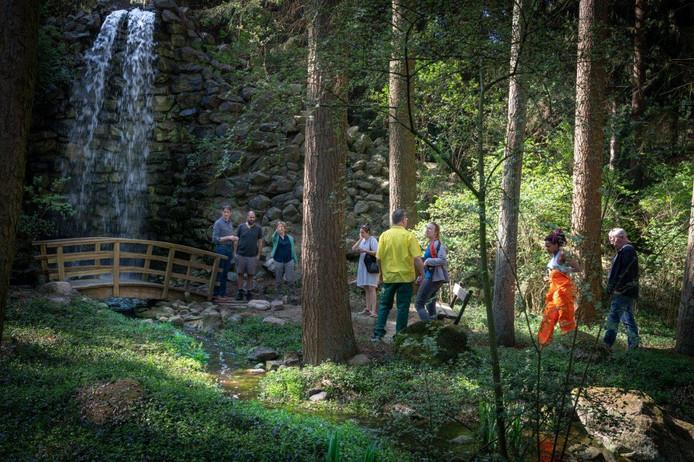 Tijdens de PaltzBiënnale kunnen bezoekers kunst bewonderen op landgoed De Paltz in Soest.