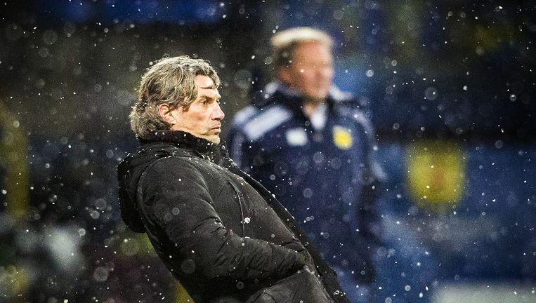 Rob Maas tijdens zijn debuutwedstrijd als hoofdcoach van Vitesse. Beeld Jiri Buller