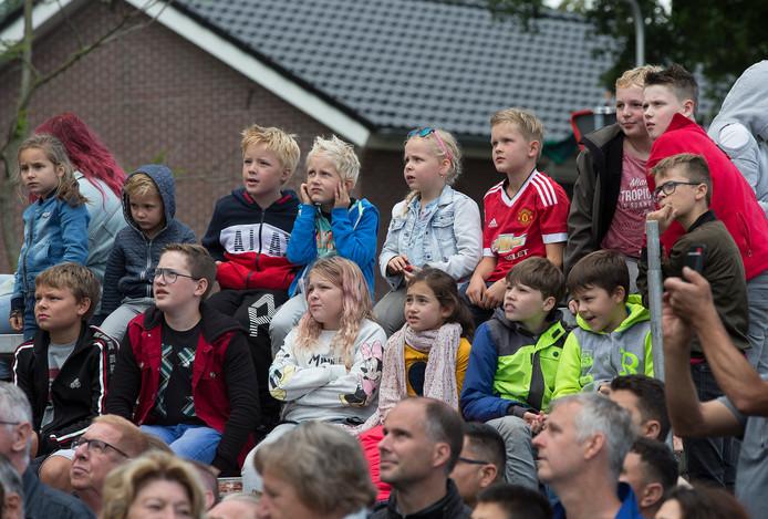 Jong en oud genoot van de optocht in Lichtenvoorde.