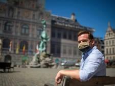 """Antwerpse gids verzekert coronaveilige rondleidingen: """"Hoe men de Koekenstad afschildert als het nieuwe epicentrum van de pest, dat doet zeer"""""""