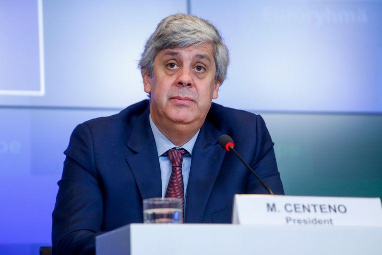 Eurogroepvoorzitter Mário Centeno donderdag tijdens een persconferentie over het akkoord. Beeld EPA