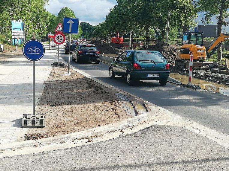 De Omer Vanaudenhovelaan wordt heraangelegd. Het verkeer kan slechts door in één richting.