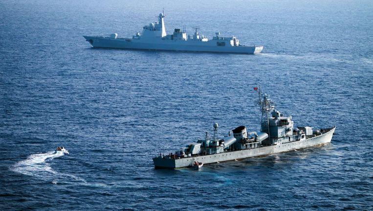 Leden van de Chinese vloot tijdens een oefening in de Zuid-Chinese Zee. Beeld afp