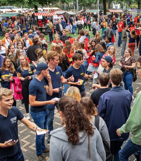 Recordaantal studenten neemt deel aan introductie: 'Ik wil die Radboud-hoodie'