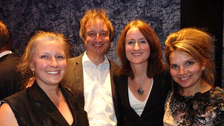 De Coebergh PR Clan (CPRC): Gervaise, Piet Hein en Arabella Coebergh en Kiki Hirschfeldt (vlnr). Ook deze klus is dus voor Coebergh Communicatie & PR. Beeld Schuim