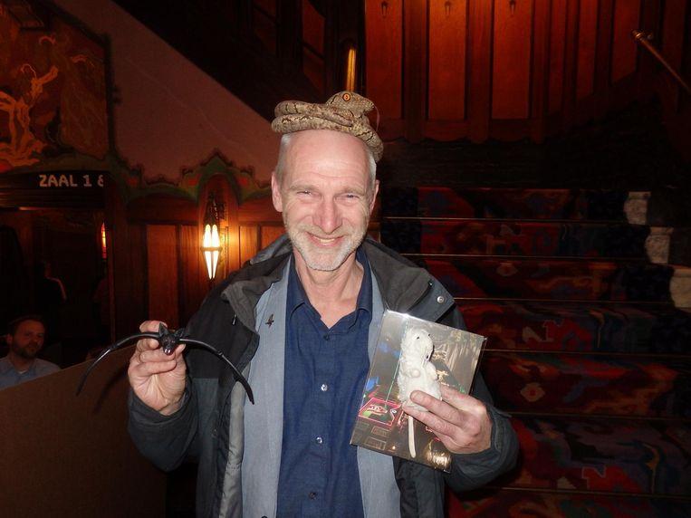 Stadsecoloog Fred Haaijen. De slang op zijn hoofd is niet echt Beeld Schuim