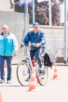 Meer doden in verkeer door E-bikes: 'We zien te veel mensen met een hoge snelheid door de straat racen'