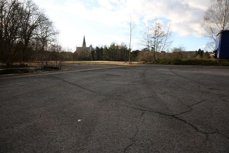 Het beton in het gebied Lembeek-Noord maakt plaats voor extra groen naast het centrum van het dorp.