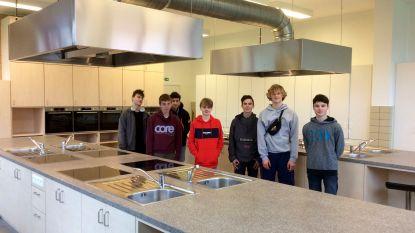 Leerlingen De Beuk ontwerpen zelf didactische keuken